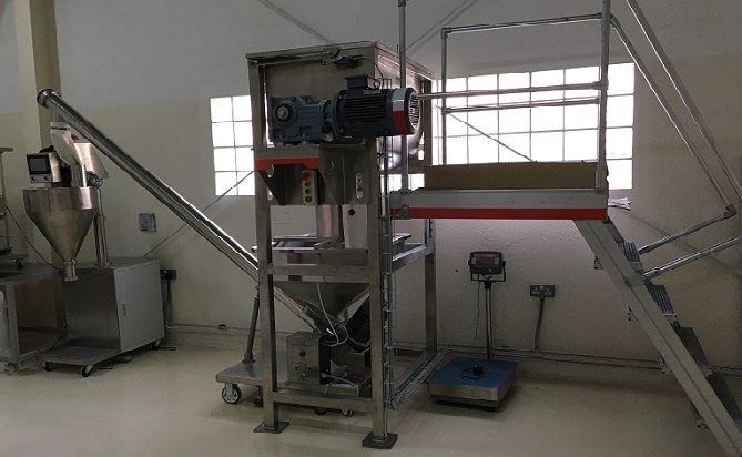 300L ribbon mixer with auger filler